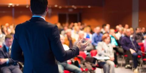 8-tecnologias-fundamentais-para-montar-uma-sala-de-palestras.jpeg